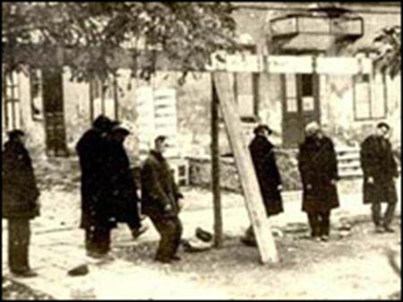 Spânzurători+la+Odessa,+după+explozia+de+la+Comandamentul+românesc+din+22+octombrie+1941